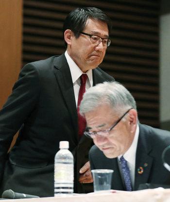 SEJの永松文彦新社長と、セブン&アイ・HDの井阪隆一社長