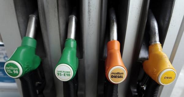 米英原油先物がかい離、異なる需給シグナル発する訳