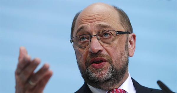 メルケル首相に勝てるか ドイツの「庶民派」シュルツ氏