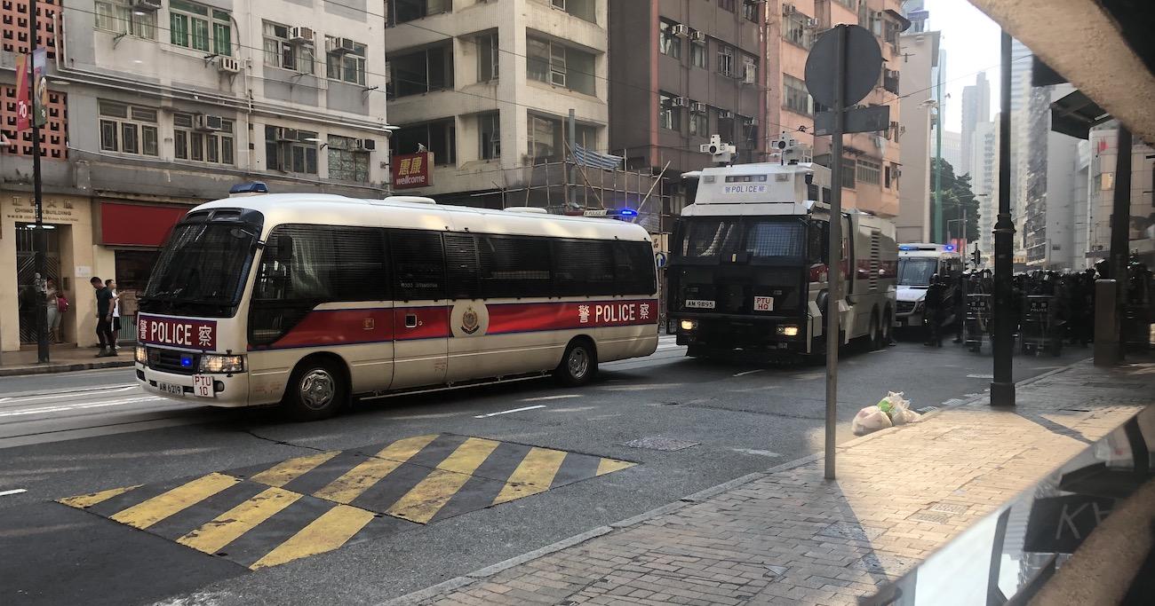 習近平が貿易戦争と香港問題で「自制」せざるを得ない理由