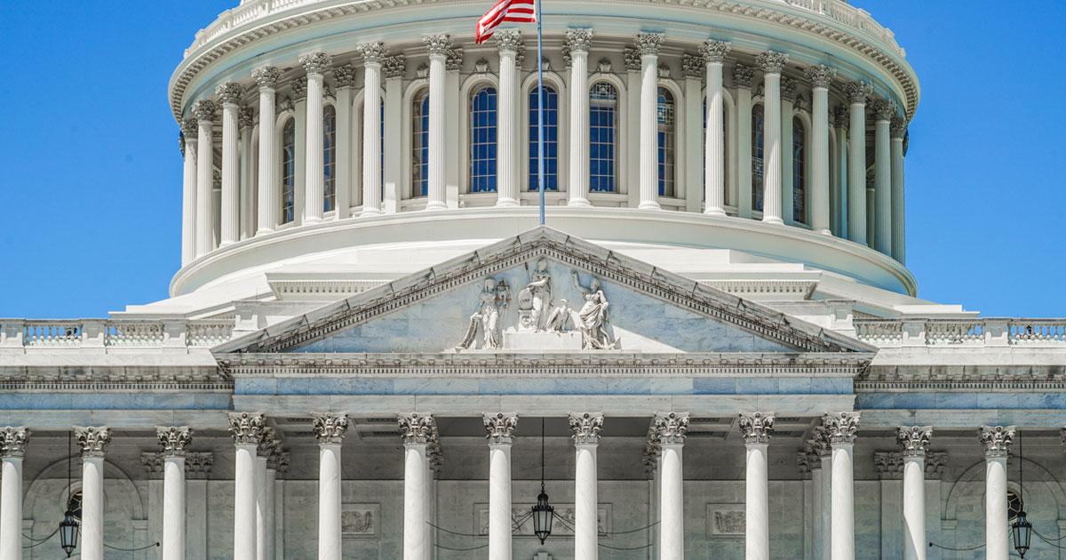 米中間選挙で共和党敗北ならトランプ大統領は「マイルド」になるか