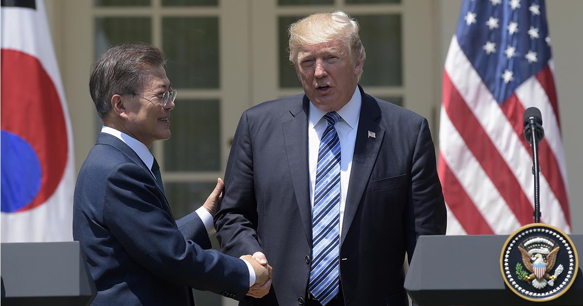 米韓声明にメディアが報じない「隠し文言」、韓国は米中の板挟みに