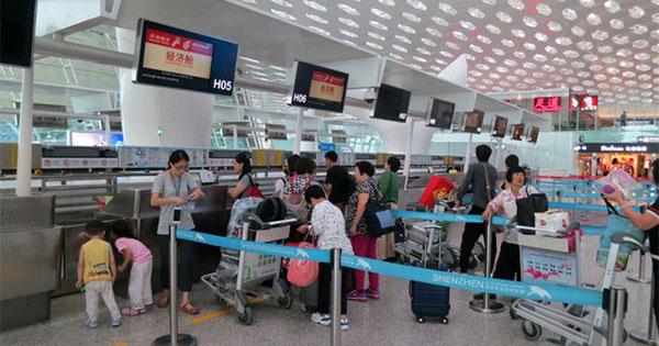中国深セン、香港から「国際ハブ空港」の座奪えるか