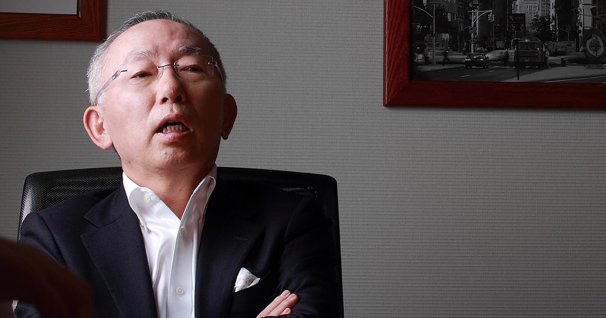 ユニクロ有明物流倉庫「大混乱」の理由を柳井会長に聞く