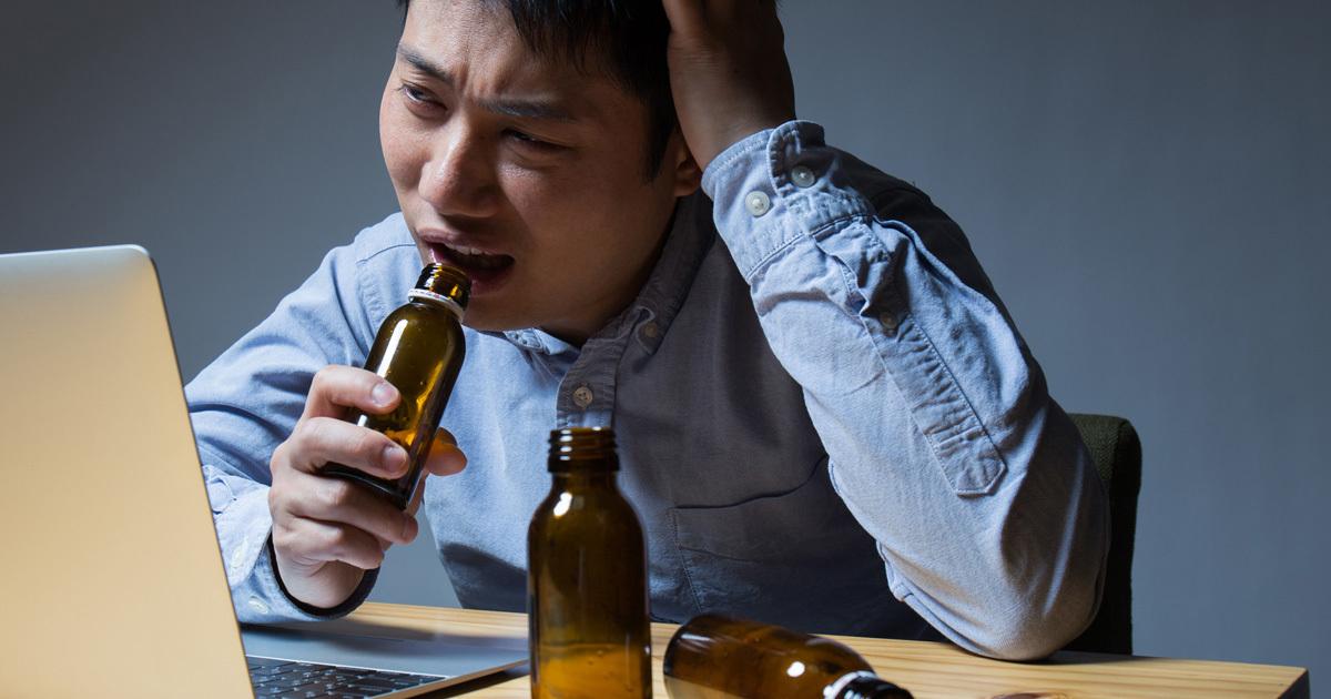 「栄養ドリンク」を飲み続けると疲労は逆に蓄積する