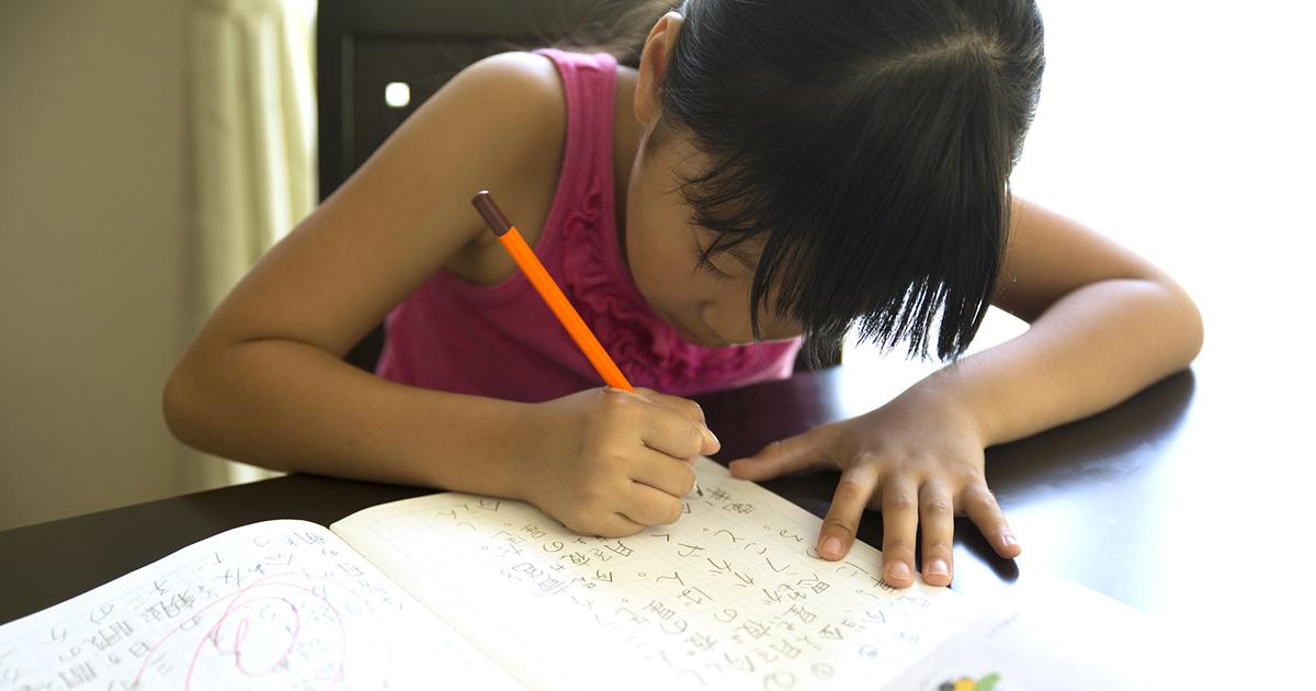 子どもの日本語力があぶない!?家庭で国語力を高める6つの方法