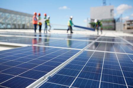 太陽光パネルと工事