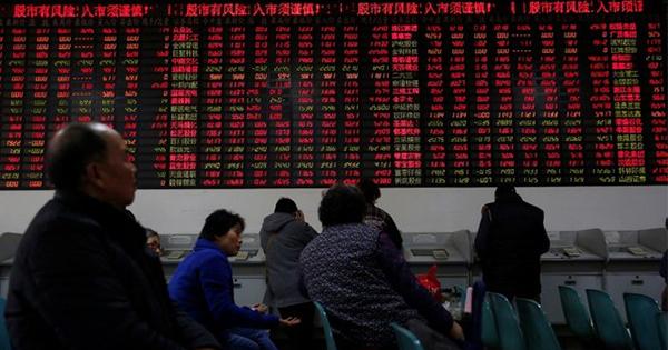 中国版「ニフティ50」人気、小型株の魅力褪せる