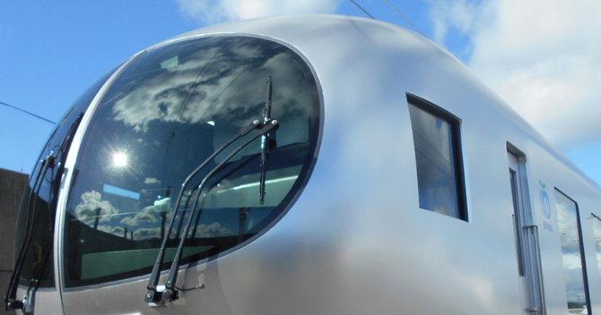 西武鉄道の新型特急車両001系「Laview(ラビュー)」