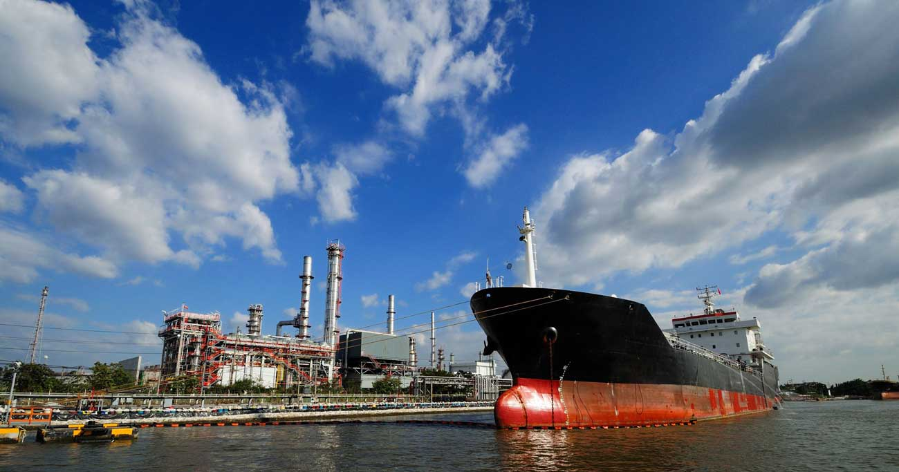 原油相場が協調減産やホルムズ海峡危機を尻目に「膠着」する不思議