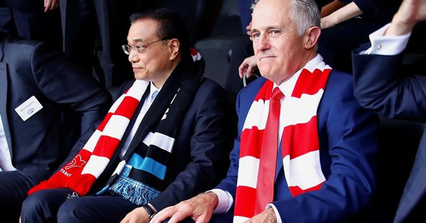 中国が豪州に急接近、トランプ外交の「空白」狙う