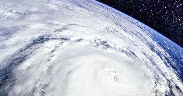 宇宙からみた台風の目