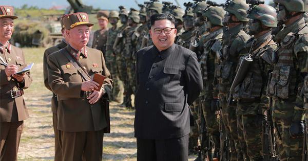 北朝鮮のミサイルが日本上空を通過、「重大な脅威」と安倍首相
