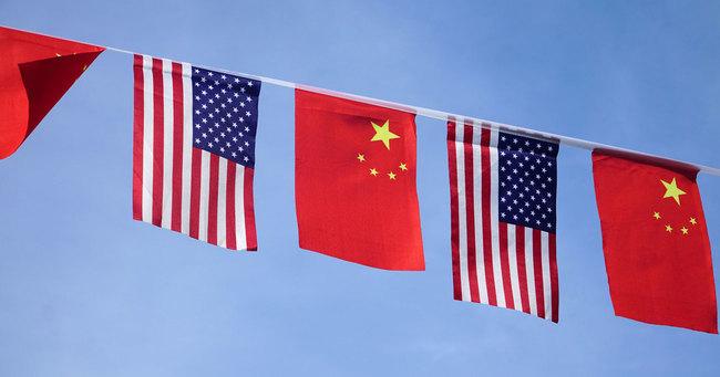 米国旗、中国旗