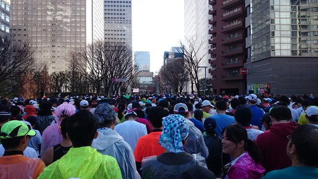 筆者が出走した東京マラソンのスタート地点