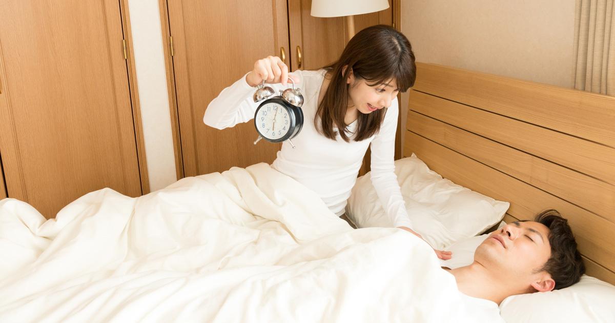休日の寝坊は2時間、昼寝は30分超えると逆効果!