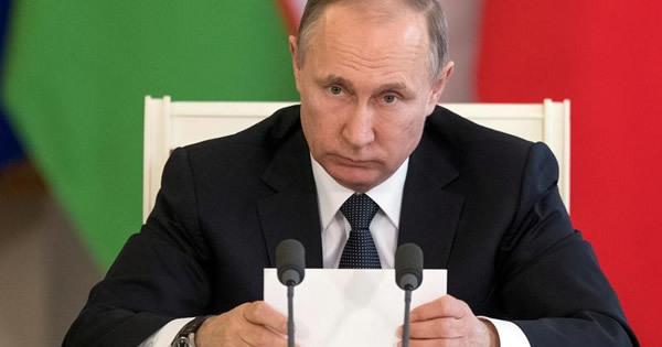 プーチン氏の米大統領選「干渉作戦」、機密文書が裏付け