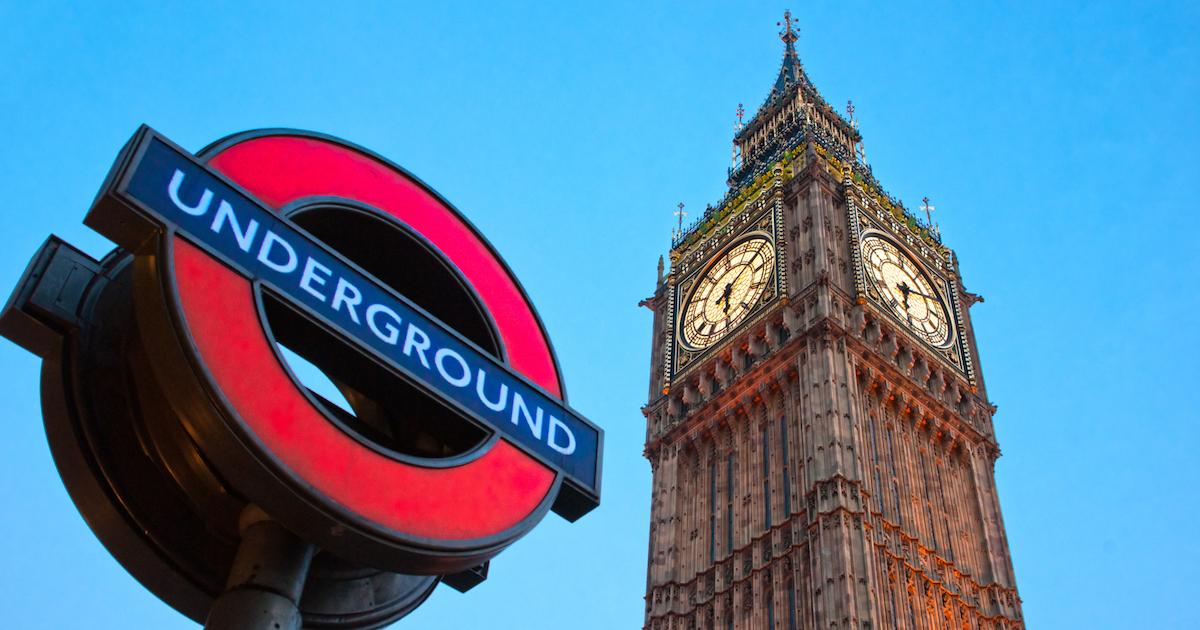 ロンドン地下鉄ホームに乗車位置表示、市民から悲しみの声が出る理由