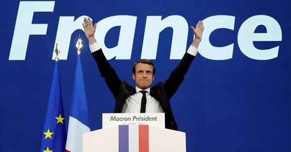 マクロン氏が仏大統領決選へ、ポピュリズムの波は消滅か