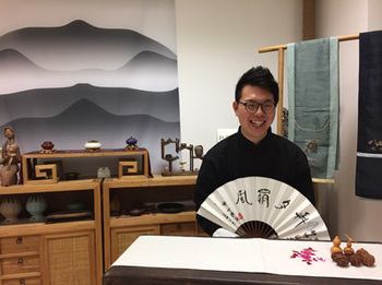 北京語言大学に留学後、「相声」の魅力に取りつかれたという西田聡さ