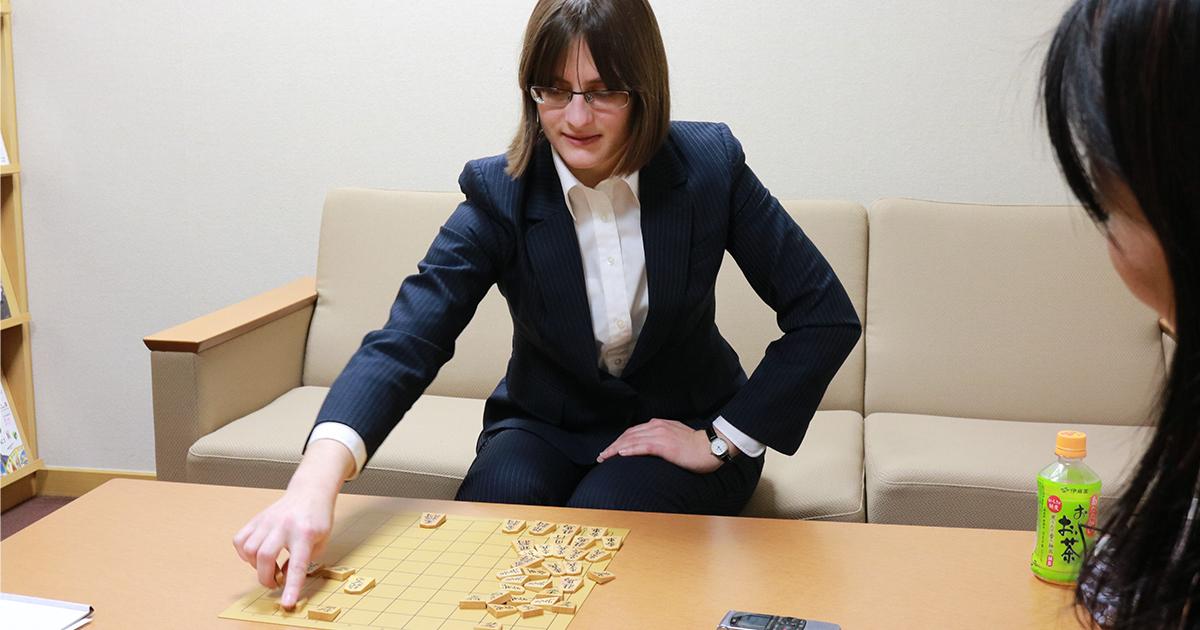 外国人初の女性棋士が日本でプロを目指した理由