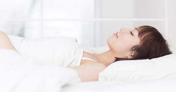 一人でできる快眠マッサージ「腸つぶし」とは何か?