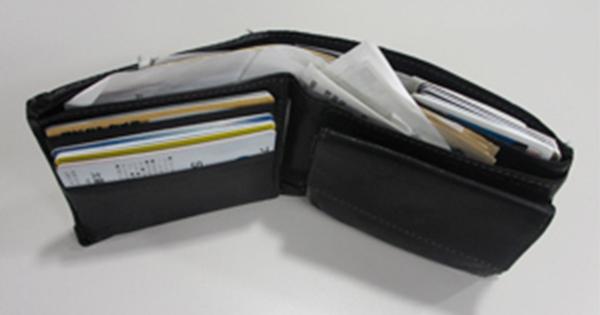 お金が貯まる人、貯まらない人の財布「4つの違い」