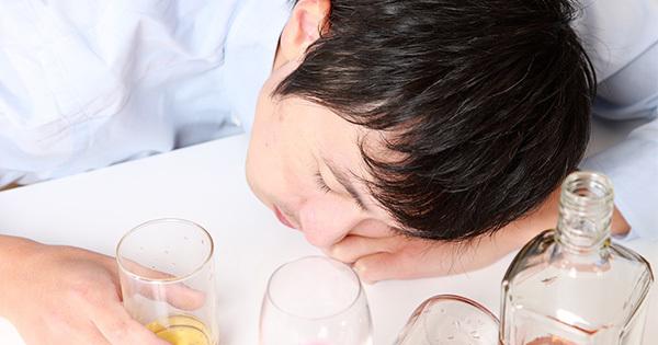 忘年会シーズン突入で要注意!過剰なアルコール摂取で脳が萎縮する恐怖