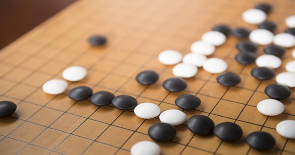 アルファ碁が神の領域に。AI進化速度は予測を超える