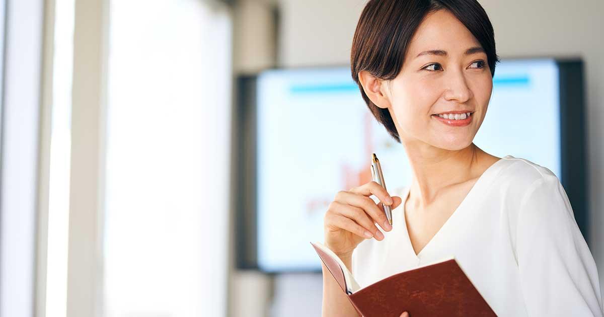 日本人の80%が生まれつき、口角が下がっている! 自然な笑顔でうなずくための「ウィスキー」訓練