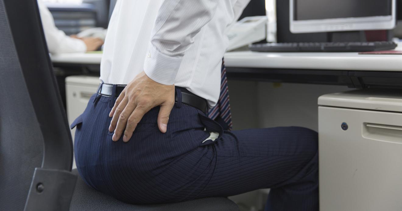 腰 の 痛み 治ら ない