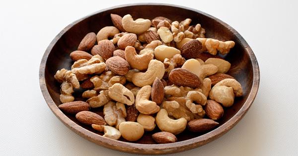 「ナッツを食べるほど寿命が延びる」ハーバード教授が衝撃報告