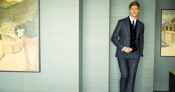 ビジネスエグゼクティブの嗜みラウンジスーツに包まれる 【Part 1】