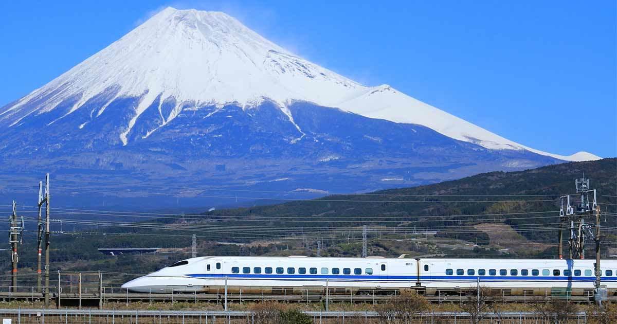 富士山の雪のカタチはなぜ左右非対称なのか
