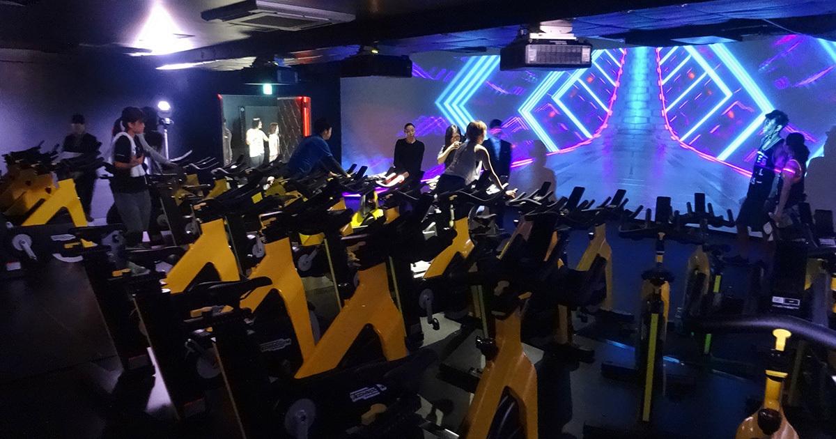 フィットネスクラブ新潮流、「VR」「低酸素」で楽しくラクに鍛える!