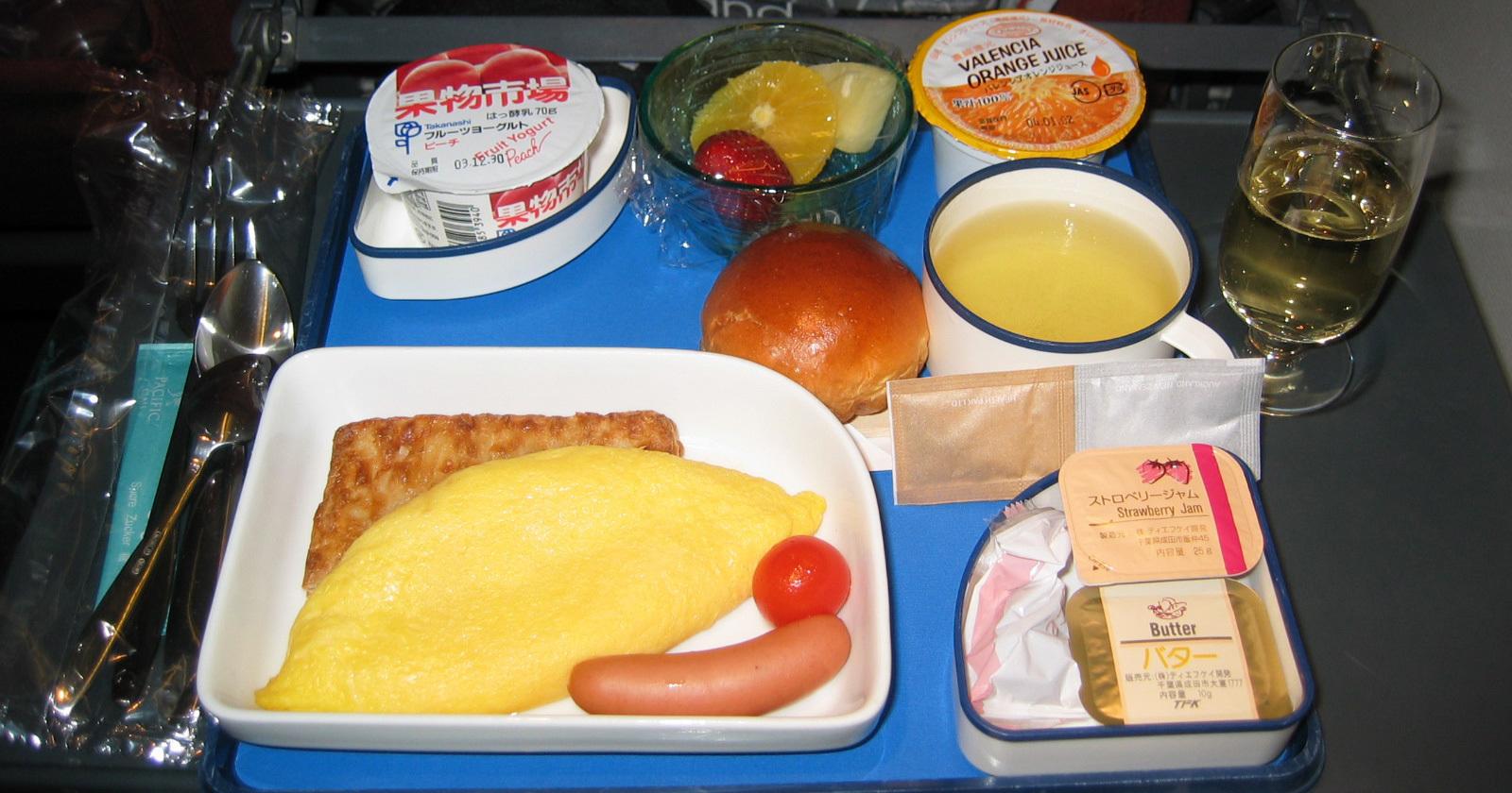 出張で太る人は「朝食・現地メシ・機内食」を見直せ