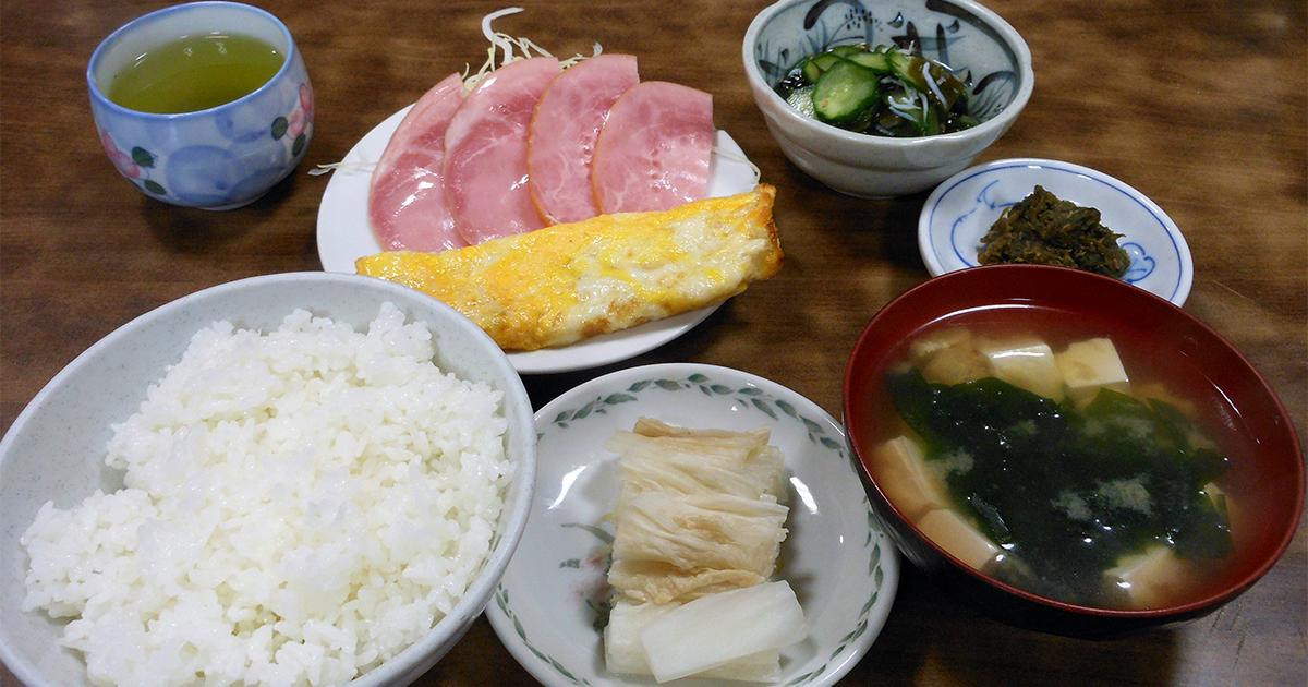京浜工業地帯のど真ん中にある家族的な食堂で料理人の心意気を知る