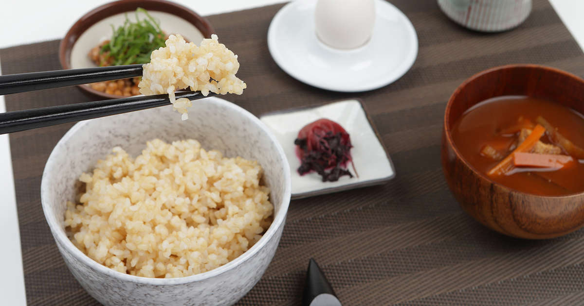 玄米食べてカロリー消費!1日分で約30分の運動に匹敵