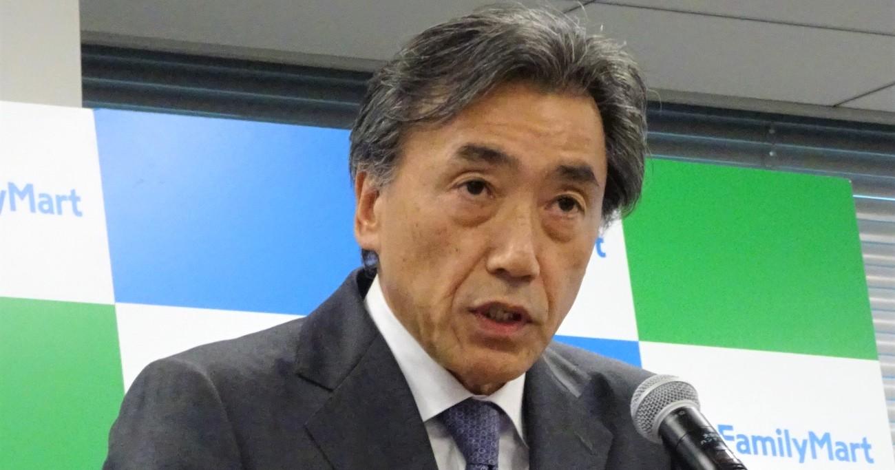 大胆な時短実験を打ち出したファミリーマートの澤田貴司社長。9月から親会社と統合し、その社長となる Pho