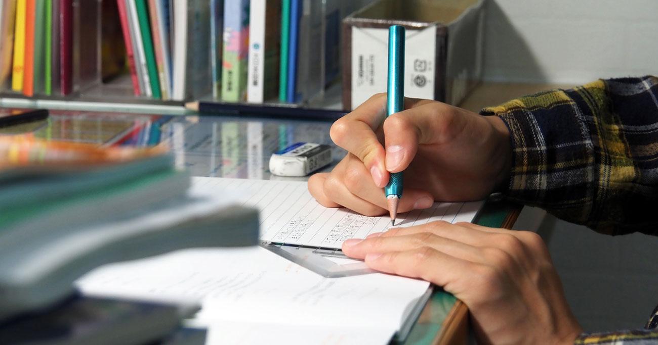 試験前は徹夜で勉強させたほうがいいでしょうか?