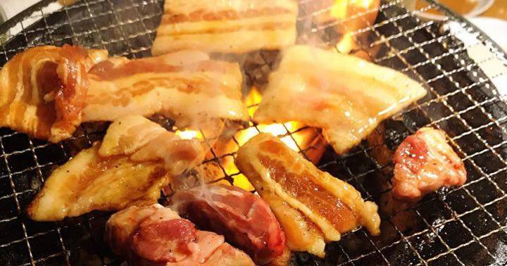 武蔵新城で食べる牛ホルモン盛り合わせ、丁寧な仕事でボリューム満点!