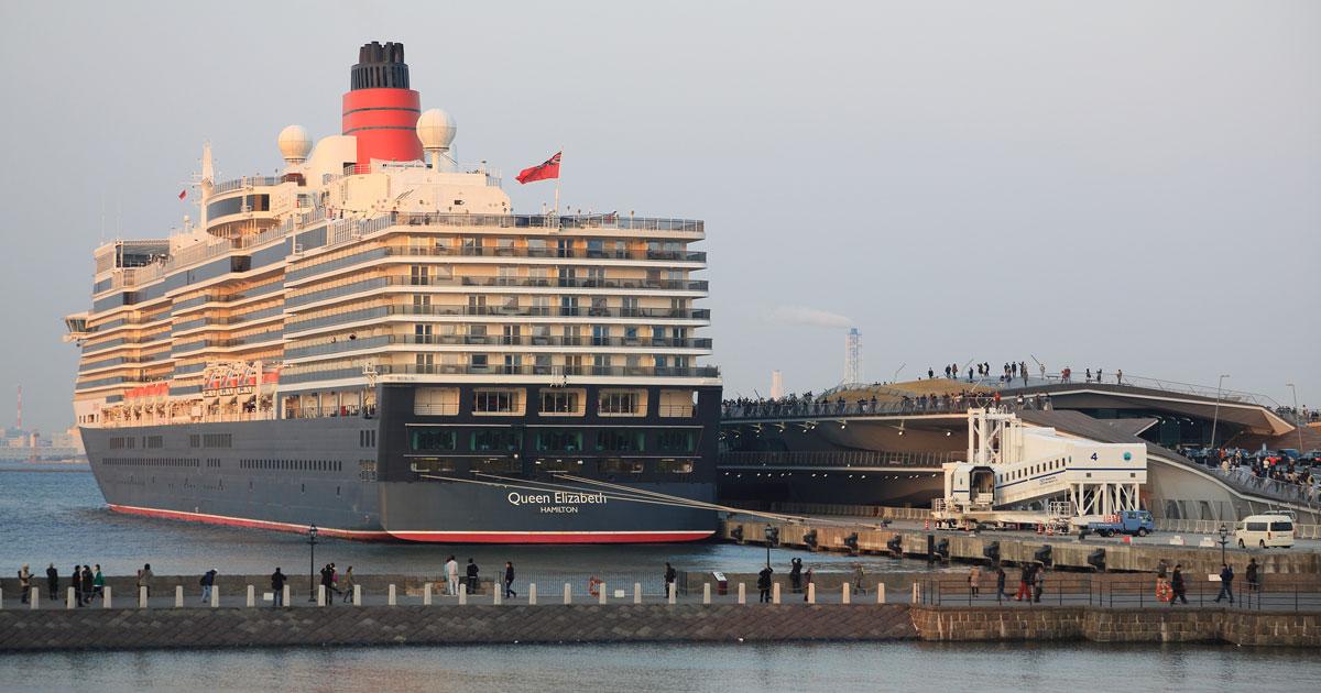 ベイブリッジがくぐれないほどの「超大型客船」が横浜港に押し寄せる理由
