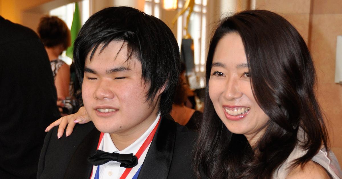 辻井伸行の母はどう息子の才能を見抜いたか