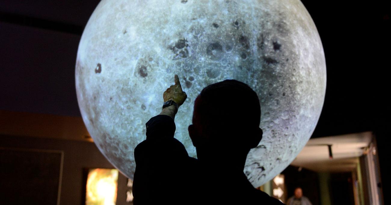月の裏側にロボットで望遠鏡設置へ、米で開発進行中