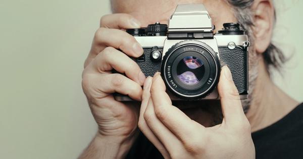 旅先で使える!人物写真が激変するプロの「ひと手間」