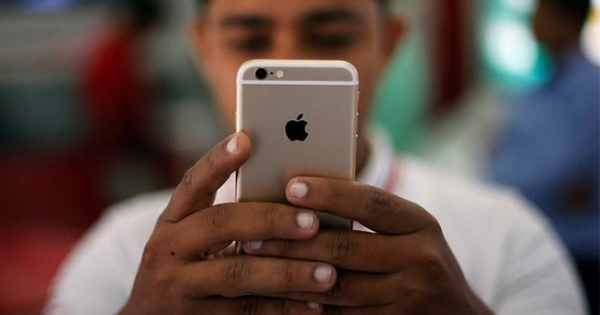 iPhoneが発売10周年、忘れ去られた苦難の船出