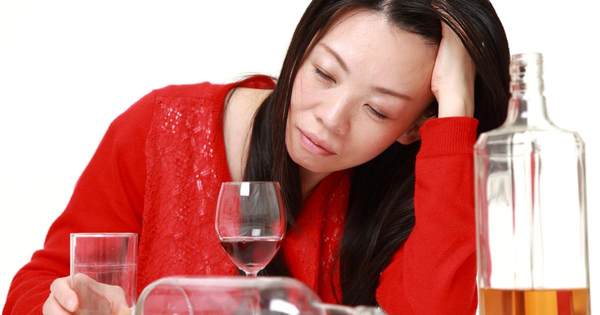 妻が突然「アルコール依存症」仕事熱心な夫はどうしたか