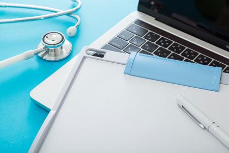 日本の健康保険制度は設計時、グローバル化を想定していませんでした。
