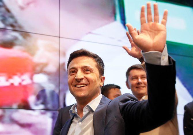 ウクライナの新大統領になったコメディアンのゼレンスキー氏とは、何者でしょうか。