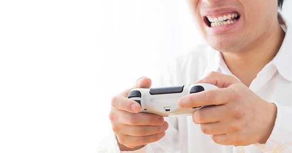 オンラインゲームでマジギレする大人たちの地団駄(上)